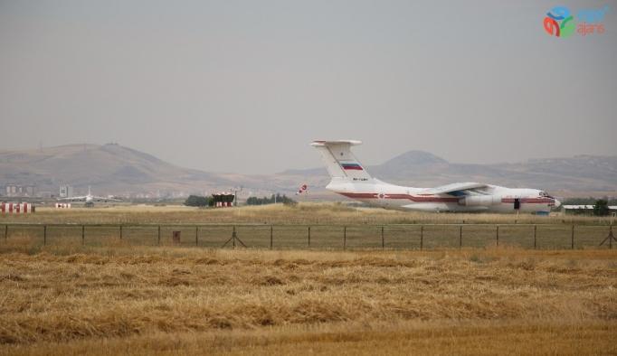 S-400'lerin teslimatında altıncı uçak Mürted Hava Üssü'ne indi