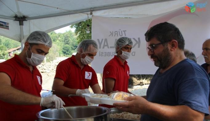Sel bölgesinde her gün bin 500 kişiye sıcak yemek ulaştırılıyor