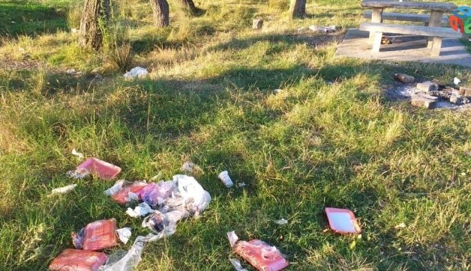Tekirdağ'da piknik alanında çöp tepkisi