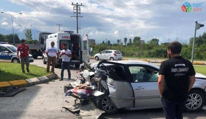 3 aracın karıştığı kazada 1 kişi yaralandı
