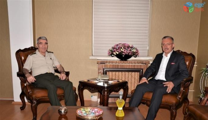 3. Ordu Komutanı Orgeneral Savaş'tan Rektör Levent'e veda ziyareti