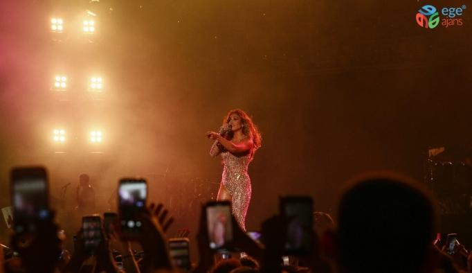 Antalya'da Jennifer Lopez fırtınası esti