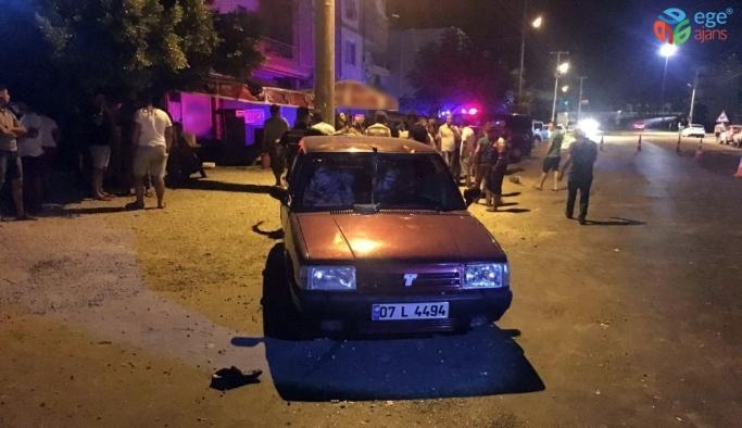Antalya'da otomobil yayaya çarptı