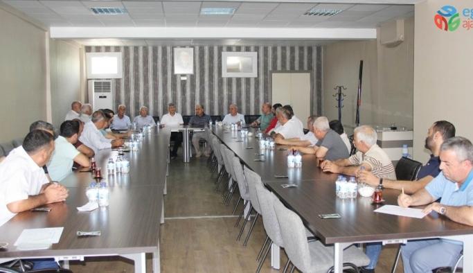 Antep fıstığı sektör temsilcileri istişare toplantısında buluştu