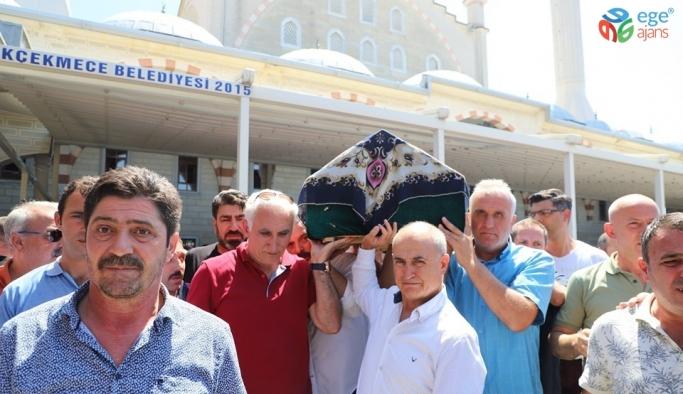 Başkan Akgün'ün yengesi son yolculuğuna uğurlandı