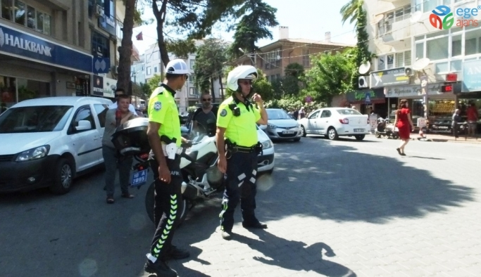 Burhaniye'de kural tanımaz sürücülere ceza yağdı