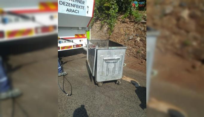 İzmit'te konteynırlar temizleniyor