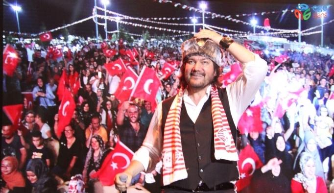 Karaman'da Ahmet Şafak hayranlarına unutulmaz bir gece yaşattı