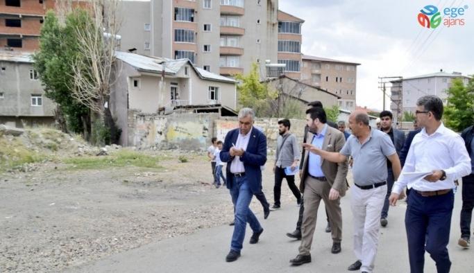 Kardeş Erzurum Büyükşehir Belediyesi heyeti, Bahçelievler Mahallesi'nde incelemelerde bulundu