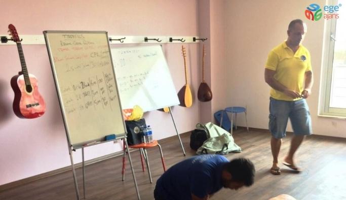 Kuyucak Gençlik Merkezi cankurtaranlık kursuna ev sahipliği yaptı