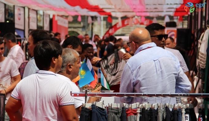 Laleli'de alışveriş festivali başladı, 250 alıcı ağırlanacak