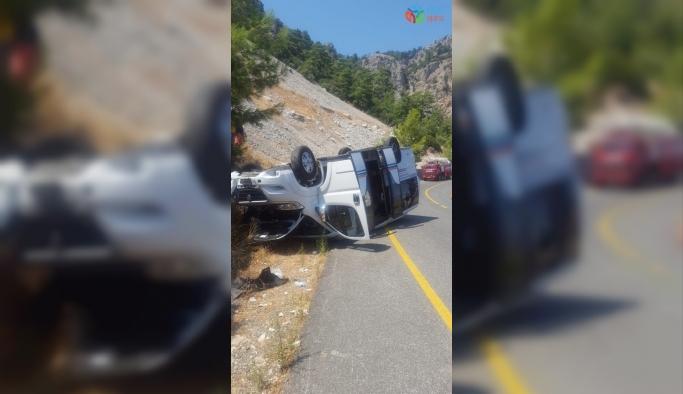 Marmaris'te yolcu minibüsü kaza yaptı; 11 yaralı