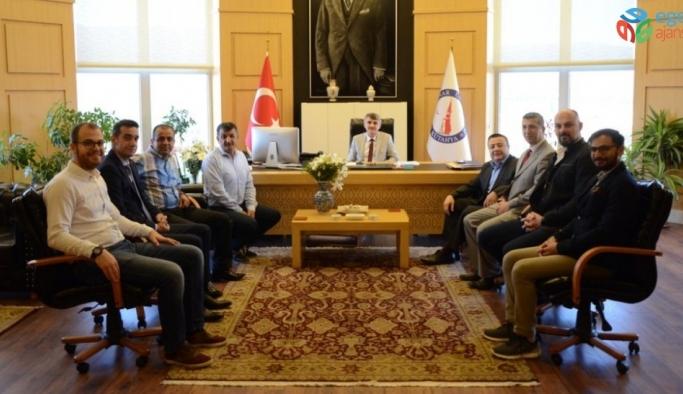 Rektör Uysal'a akademik ve idari personelden ziyaret