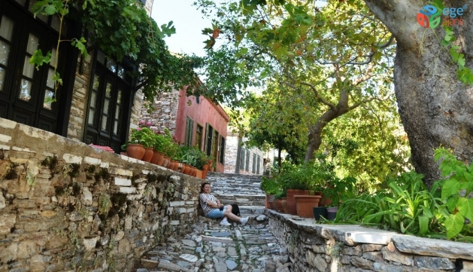 Tarihi Doğanbey köyüne yerli ve yabancı turist ilgisi