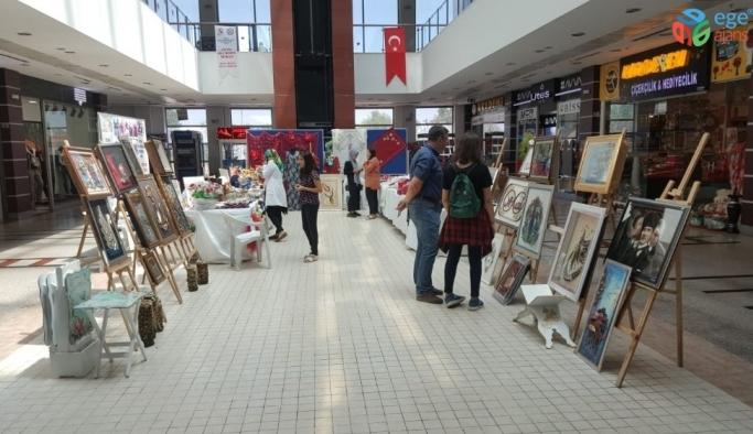 Tatvan'da el sanatları sergisi