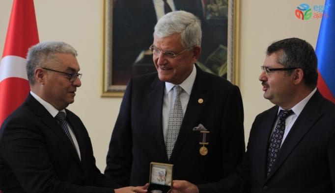 TBMM Dışişleri Komisyon Başkanı Bozkır'a Azerbaycan Diplomatik Hizmet Madalyası