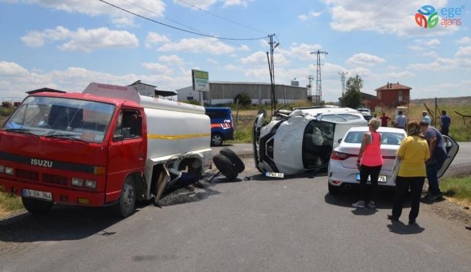Tekirdağ'da 3 araç birbirine girdi: 2 yaralı
