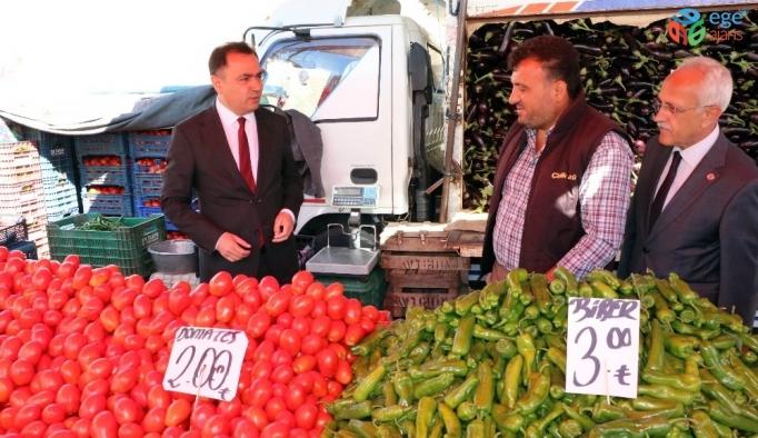 Vali Çakır, pazarcı esnafının sorunlarını dinledi