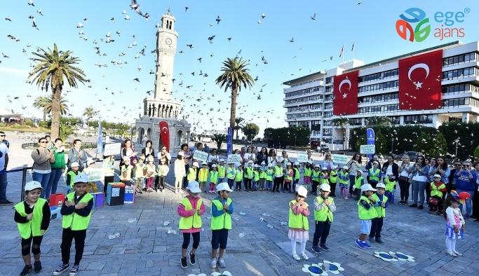 İBB İzmir'e toz kondurmamaya devam ediyor