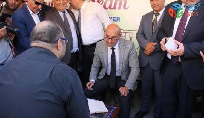 """Başkan Tunç Soyer """"Seyyar Makam"""" ile halkı dinledi"""