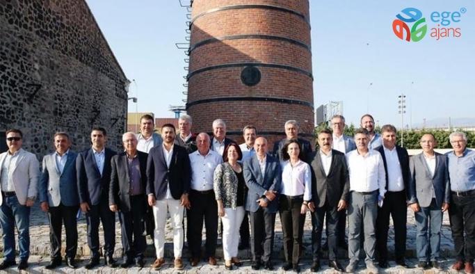 Tunç Soyer, CHP'li 24 ilçe belediye başkanıyla buluştu