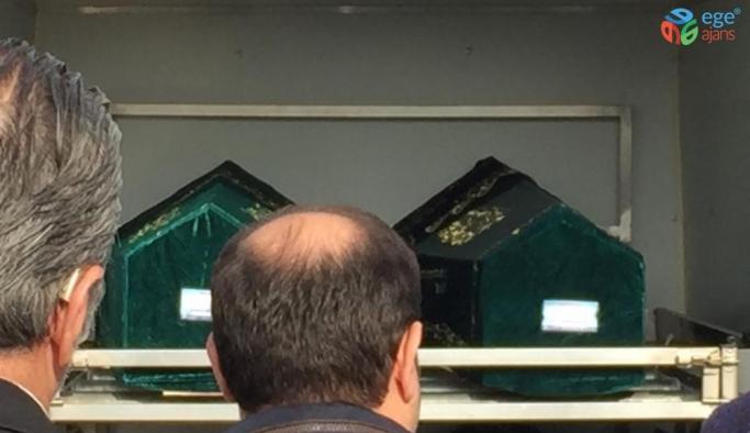 Bakırköy'de siyanürle ölen ailenin cenazeleri gasilhaneden alındı