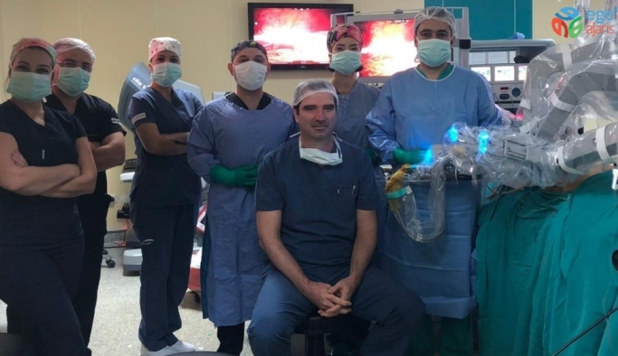EÜ'de robotik cerrahide bir ilk