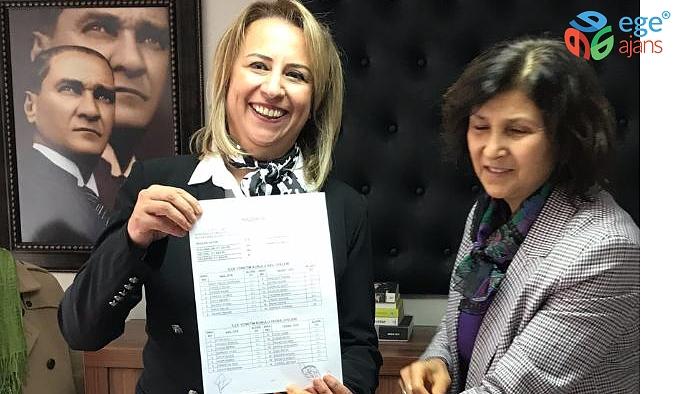 Pınar Susmuş Bayraklı'da İlçe Başkanlığını Devraldı
