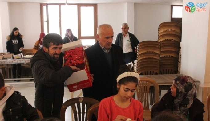 Simitçi Erkan'dan Suriyeli yetim çocuklara kahvaltı