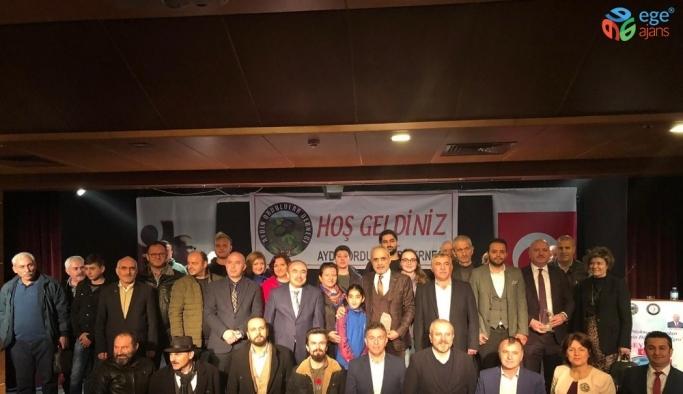 """Topçu: """"Türkiye, mevcut coğrafi sınırlarından ve nüfusundan çok daha büyük bir ülkedir"""""""