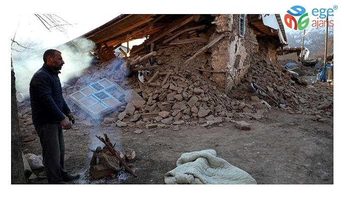 Elazığ'ın Sivrice ilçesine bağlı Çevrimtaş Köy'ü depremde tamamen yok oldu