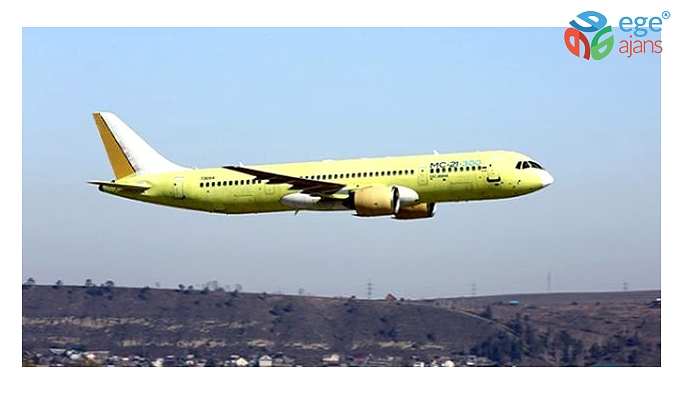 Son Dakika: Afganistan'a ait bir yolcu uçağı Taliban kontrolündeki bölgede düştü