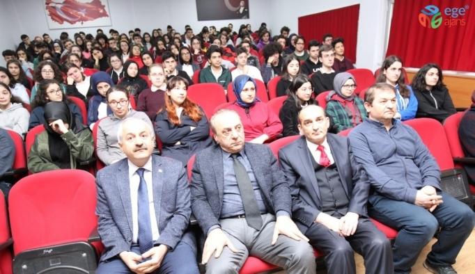 Başkan Kariyer Günü'nde gençlerin yanında