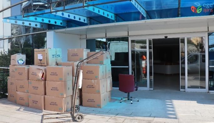 Depremin ardından 40 yıllık Avcılar Belediye binası taşınmaya başladı