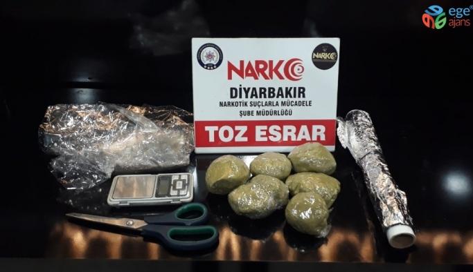Diyarbakır'da 101 kilo esrar ele geçirildi