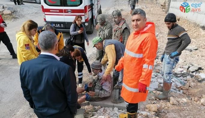 İnşaatın beton kalıbı çöktü: 3 yaralı