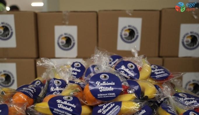 Kartal'da sağlık çalışanlarına çikolatalı ve meyveli jest