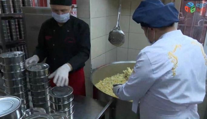 Altınordu SYDV'den günlük 1400 kişiye sıcak yemek