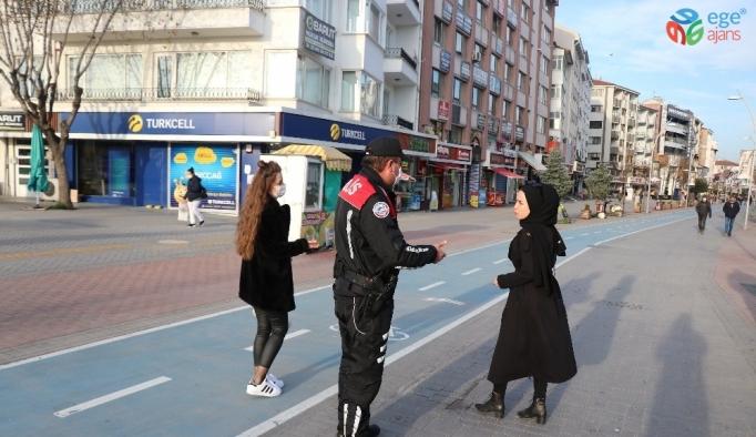Bolu'da yayalara kapalı caddeye sebepsiz ve maskesiz girenlere para cezası