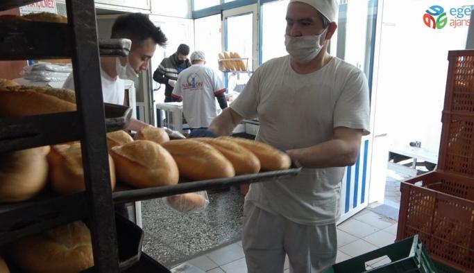Denizli'de sokak sokak ekmek dağıtıldı