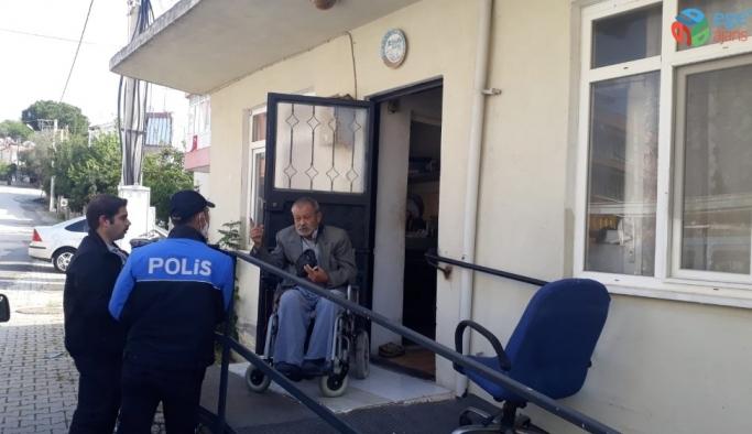Engelli yaşlı adamın, 'Milli Dayanışma Kampanyası' na 10 TL bağışı
