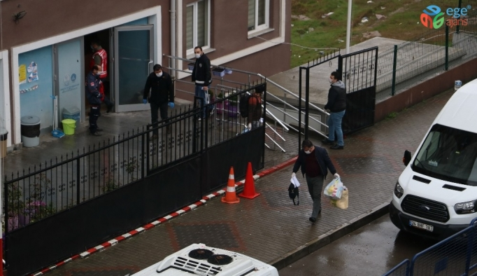 Gözlem süresi sona eren 49 tır şoförü kaldıkları öğrenci yurdundan ayrıldı