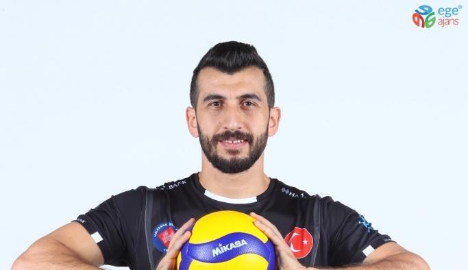 """Halkbank Erkek Voleybol Takımı oyuncusu Volkan Döne: """"Halkbank daha güçlü dönecektir"""""""