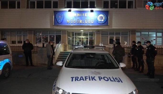 Kırıkkale'de gece yarısı kumar operasyonu: 14 kişiye sosyal mesafe cezası