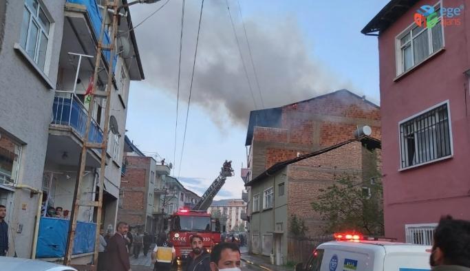 Malatya'da ev yangını: 1 kişi dumandan etkilendi