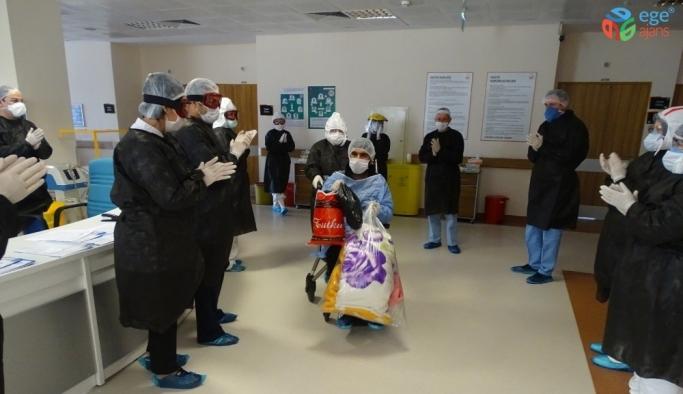 Manisa'da korona virüsten iyileşen 5 hasta alkışlarla taburcu edildi