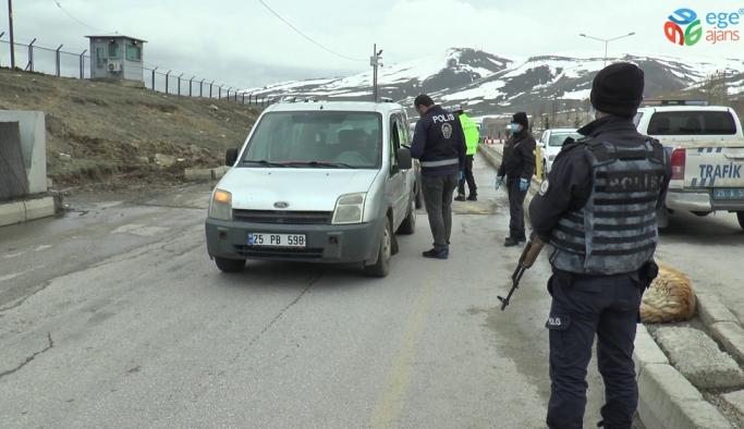 Polis ve Jandarma ekiplerinden Korana Virüs uygulaması