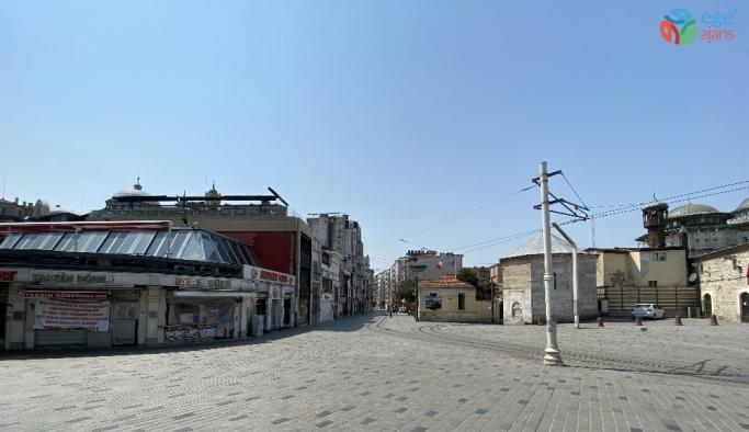 Taksim Meydanı'nda tarihi sessizlik