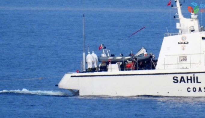 Yunan askerleri göçmenlerin yakıtlarını alıp, deniz ortasında ölüme terk etti