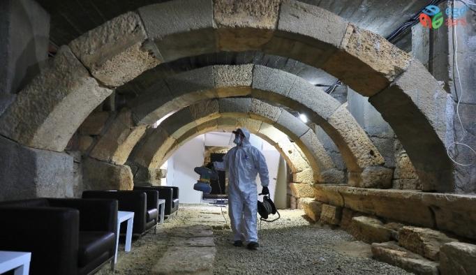 Müzik seslerinin yankılanacağı 2 bin 500 yıllık antik tiyatro dezenfekte edildi